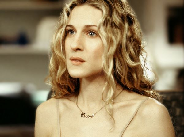 carrie-bradshaw-sex-and-the-city-necklace-sjp