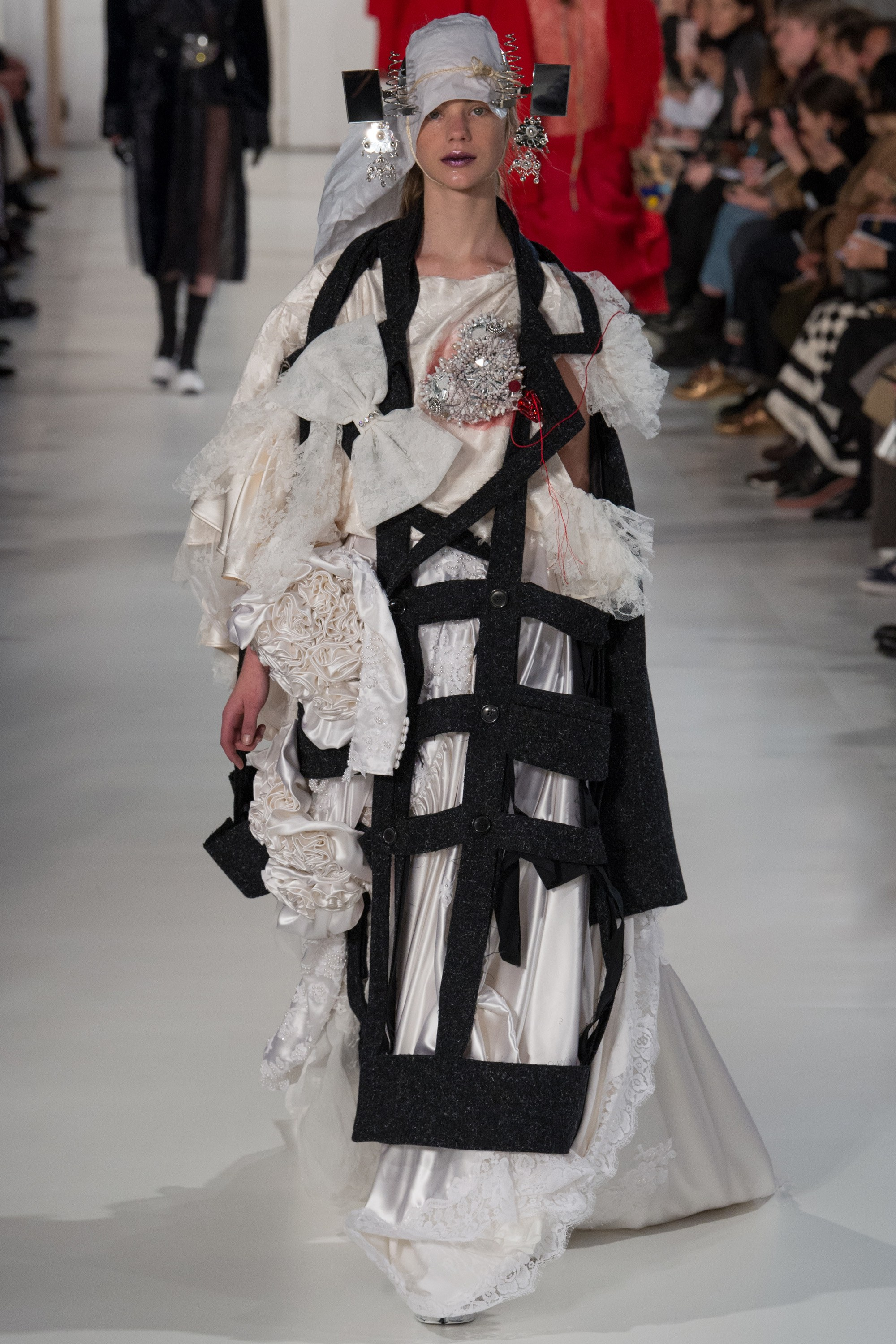 Galliano 39 s deconstruction of american democracy on for American haute couture designers