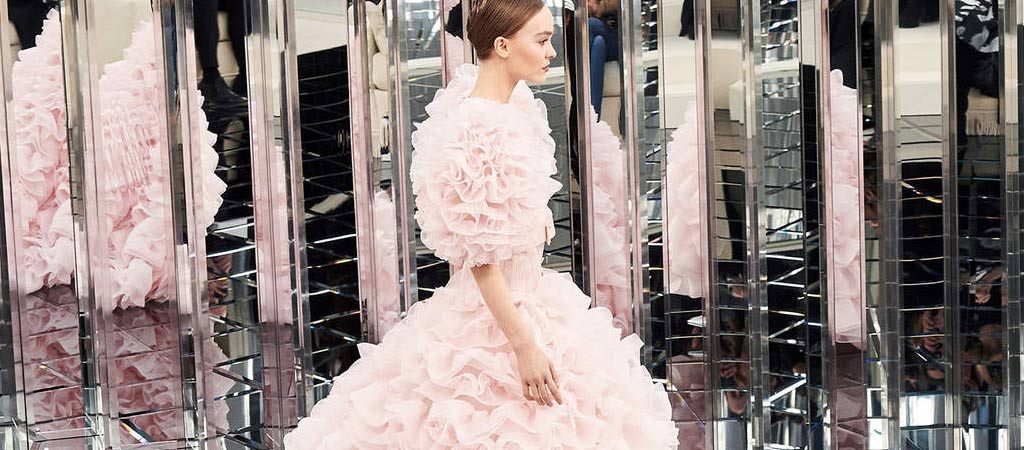 0a61610ced7 15 Best Looks from Paris Couture Fashion Week SS17 - University of ...