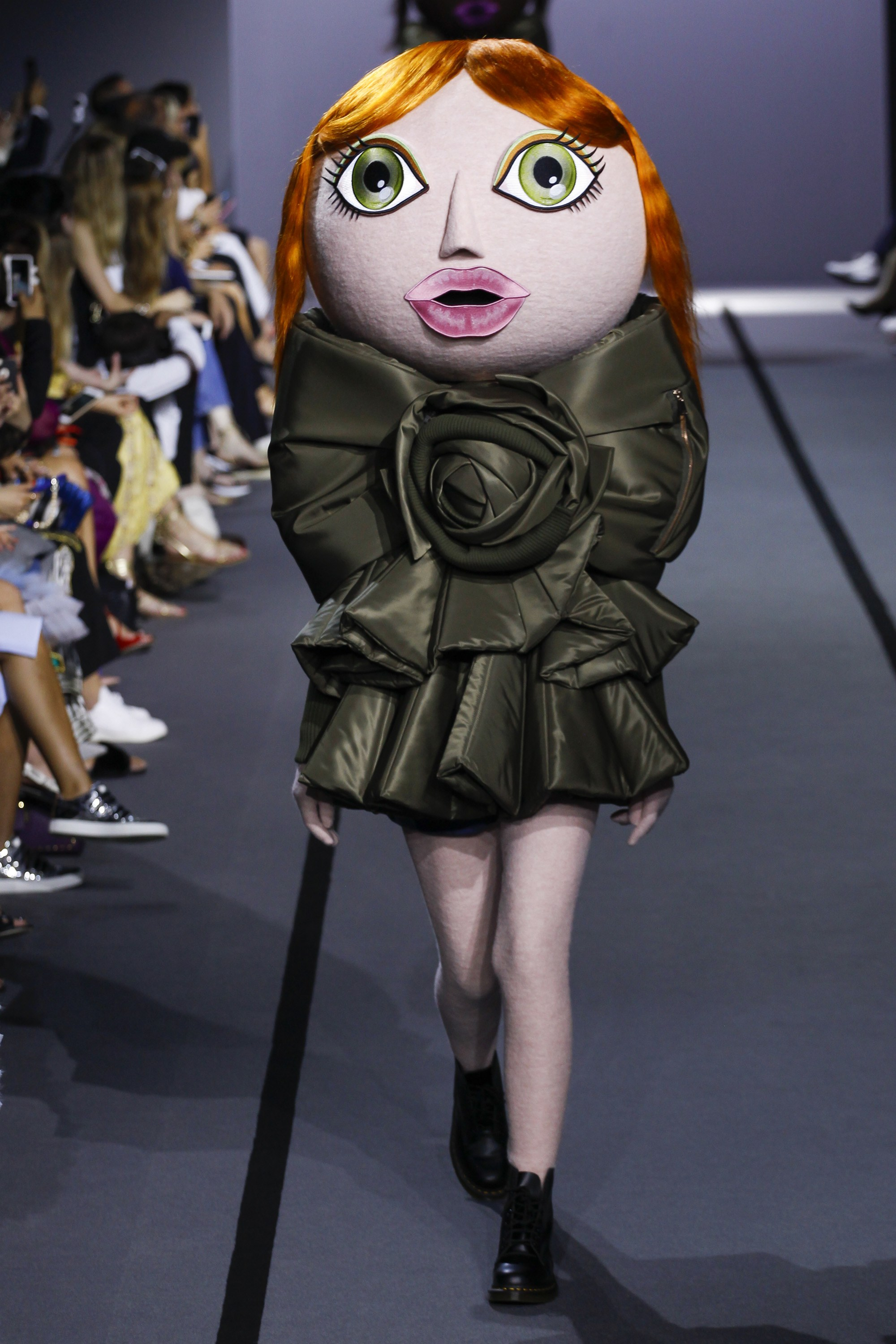 Viktor Rolf Fall 2016 Couture Fashion Show: Learn To Be A Fashion Designer