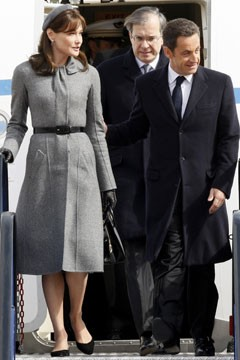 Carla Bruni-Sarkozy in Dior coat in England, 2008 (Photo courtesy of Rex Features)