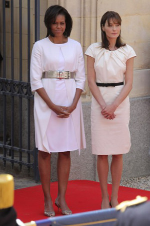 Michelle Obama and Carla Bruni-Sarkozy - two very chic first ladies in 2009 (photo courtesy of Getty Images)
