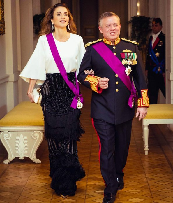 Queen Rania of Jordan wearing evening separates in 2016(Photo courtesy of EW.com)