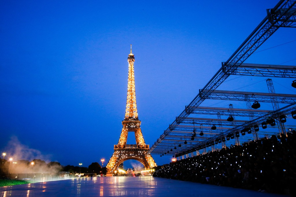 Saint Laurent Runway : The Eiffel Tower  (Photo Courtesy of  Vogue.Com)