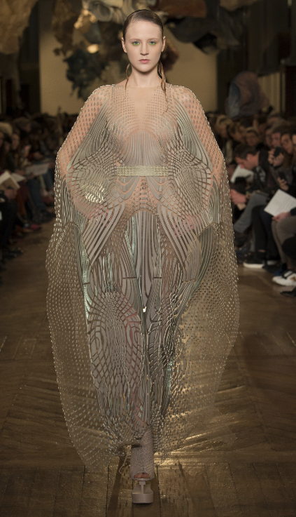 Iris Van Herpen Spring 2018 Photo courtesy of Vogue.com