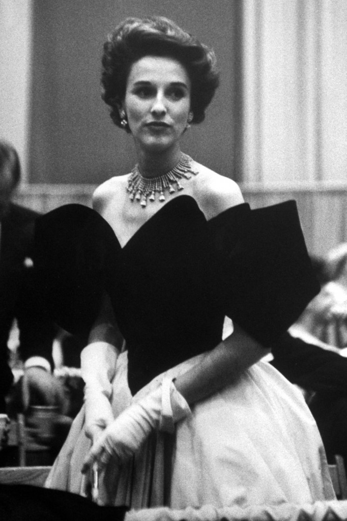 Babe Paley  mixes high low fashion (Photo Courtesy of Getty Images)