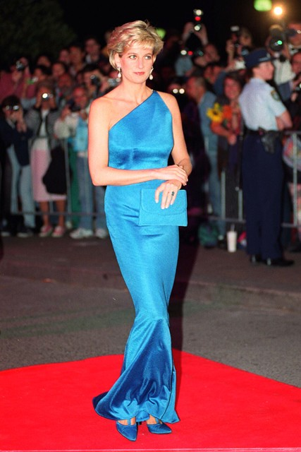 Princess Diana in Versace (Photo Courtesy of Stylemagazine)