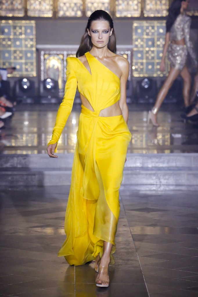 Julien Macdonald's spring 2019 show (Photo Courtesy of Vogue.com)