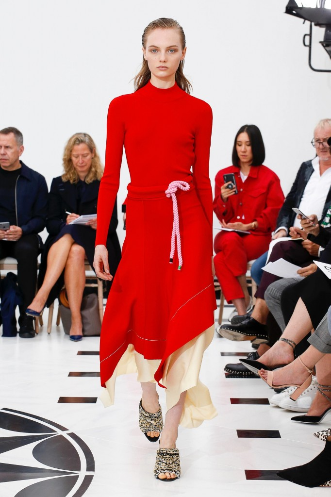 Victoria Beckham's spring 2019 show (Photo Courtesy of Vogue.com)